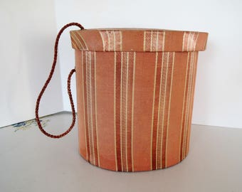 Oval Box, Silk taffeta with grosgrain stripes, Small covered box with carrying cord, Beautiful condition, Vintage