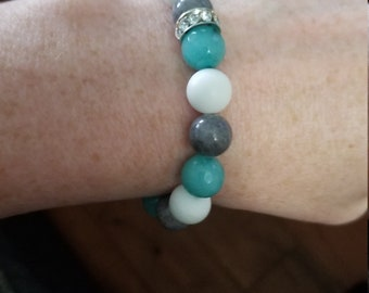 Single Tricolored Turquoise Jade Bracelet with Accent