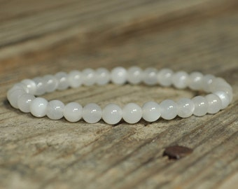 Moonstone Mala Bracelet, Meditation Bracelet, Gemstone Therapy, Crystal Healing, Yoga Bracelet, Wrist Mala, Reiki, Fertility, Childbirth