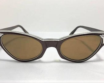 60s Brown Cat Eye Sunglasses with Embellishment, New Old Stock, Vintage 60s Brown White Cateye Sunglasses, American Optical Cat Eyes Sunnies