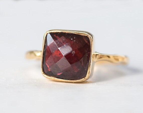 40 0ff garnet ring january birthstone ring gemstone ring. Black Bedroom Furniture Sets. Home Design Ideas