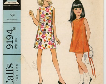 Vintage McCalls Sewing Pattern - 9194 ca.1968 - Girl's Dress, size 10