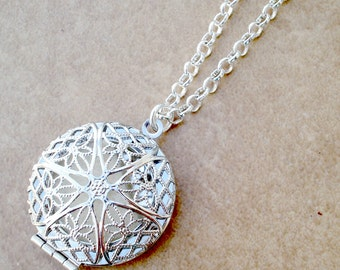 Silver Aromatherapy Locket and Necklace - Silver Filigree Locket Aromatherapy Necklace - Aromatherapy Diffuser Jewelry - Personal Diffuser