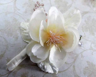 Blush and Ivory Small and Simple Young Men's Boutonnierre