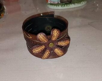 Vintage, brown, leather tiered bracelet with a flower, snap closing, vintage accessories, vintage jewelry, vintage bracelet, vintage fashion