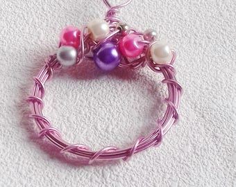 Pink aluminum pendant and pearl beads