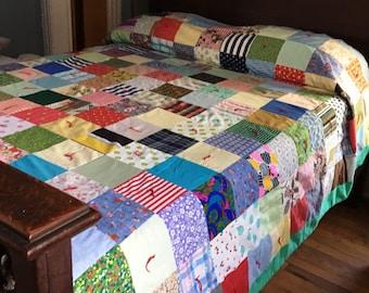 VINTAGE PATCHWORK QUILT, Vintage Tied Quilt, Vintage Double Quilt, Hand Quilted Quilt, Patchwork Quilt, Tied Quilt, Double Quilt, Full Quilt