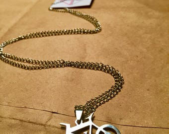 Long necklace / / bicycle