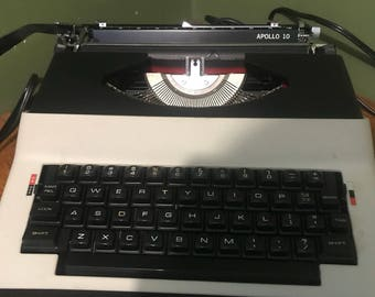 Electric Vintage royal Typewriter  1970s
