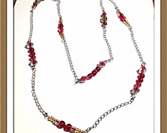 Handmade MWL red, yellow and gree beaded necklace. 0245