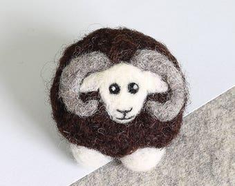 Black Sheep Brooch Needle Felting Kit, Felt Brooch, Needle Felted Animal, Needle Felted Sheep, DIY, Felting Kit, Felted Brooch, Felt Animals