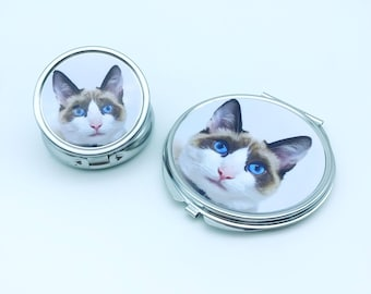 Cat mom Compact mirror. Pocket mirror. Pill box. Customized gifts. Pill case. mother's Day gifts. Makeup mirror. handheld. Pill organizer