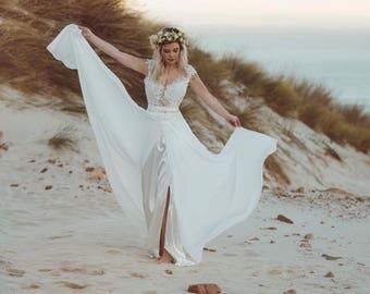 Boho wedding dress etsy bohemian lace wedding dressbeach wedding dress boho style wedding dressboho wedding junglespirit Image collections