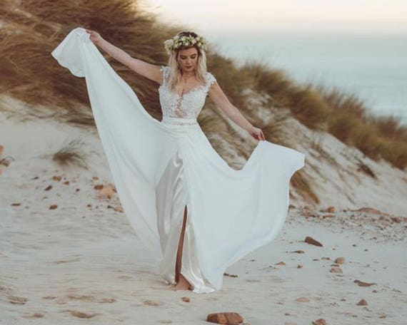 bohemian lace wedding dress/beach wedding dress/ boho style