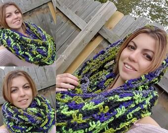FREE SHIPPING - Crochet Chunky Infinity Scarf - Crochet Wrap - Crochet Circle Scarf - Crochet Cowl-Neck Warmer