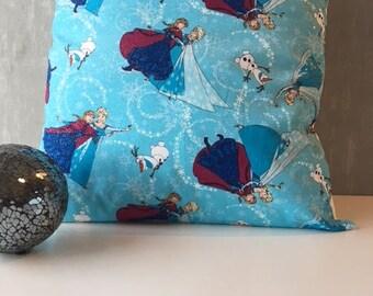 "Anna and Elsa Frozen 16"" x 16"" Cushion Cover"