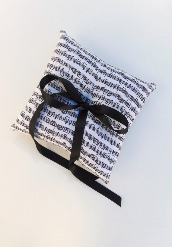 Music Note Ring Bearer Pillow, Sheet Music Ring Bearer, Black and White Ring Bearer Pillow, Music Wedding, Piano, CLASSIC NOTES