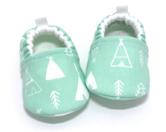Teepee Baby Shoes, Baby Shower gift, Soft Sole Baby Shoes,  Aqua Baby Booties, Toddler slippers, baby moccasins, vegan baby