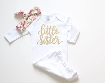 Baby girl clothes, newborn outfit, Hello World Gold Baby gown, Newborn gown, Coming home outfit, Hello world newborn outfit, hospital outfit