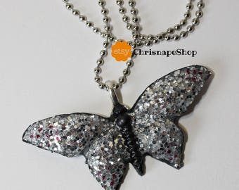 Resin Necklace ' Butterfly ' (2 different colors)