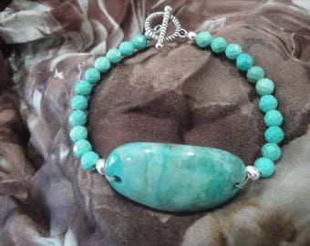 Turquoise bracelet with a toggle clasp
