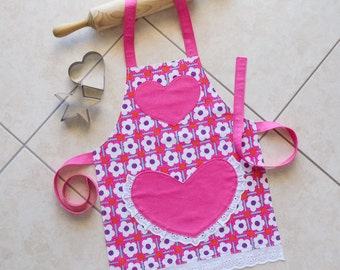 Kids Apron pink, girls kitchen craft art play apron, childs lined cotton apron with lace heart pocket, kids flowers print apron, Daisy Apron
