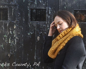 Knitting Pattern Infinity Scarf Cowl - Easy Intermediate