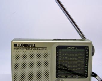 Vintage Bell & Howell AM/FM 9-Band World Receiver