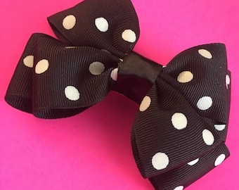 "Double layered bow in ""Do the Polka"""