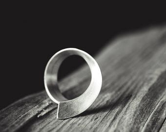 Minimal Organic Silver Ring SERIFOS 03