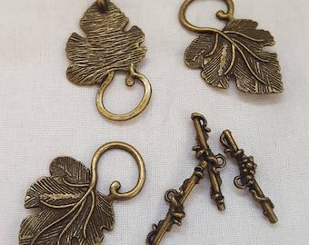 Leaf Toggle Clasps set of 3 Bronze tone Component Destash