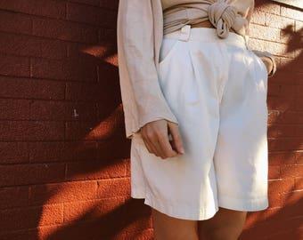 Vintage High Waisted Shorts - White