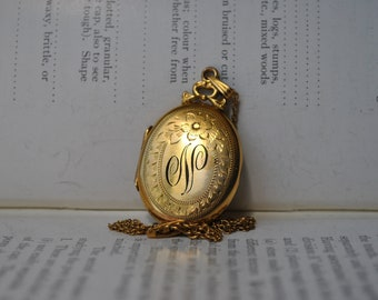 Vintage Locket, Gold Filled - 1950s Mid Century Gold Filled Locket, Free Shipping