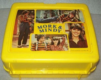 Lunch Box Mork and Mindy Yellow Plastic Lunch Box With Thermos