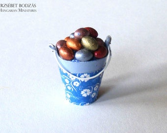 Chocolate eggs in a bucket