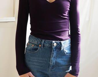 Vintage Clothing / Dark Purple V Neck Long Sleeve Blouse / Fitted Long Sleeve Purple Blouse / 90s Tight V Neck Blouse / Vintage 90s Top