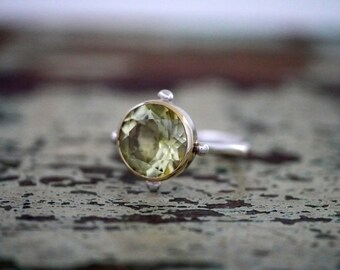 Portal Ring with Lemon Quartz