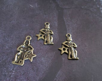 bronze metal Aquarius zodiac sign charm 20 x 20 mm