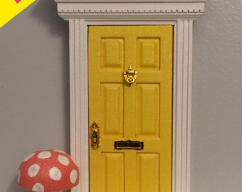 NEW*** Yellow glitter fairy door
