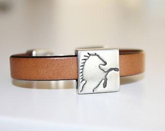 HORSE BRACELET, Horse Jewelry, Western Jewelry Cowgirl EQUESTRIAN Bracelet Silver Horse Bracelet Horse lovers bracelet Cheval.Armband manner
