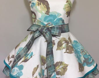 Southern Chic Two Tiered Apron with Over sized Garden Flowers