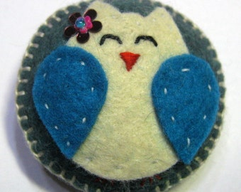 Sleepy Felt Owl Brooch