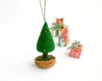 Needle Felted Christmas Tree Ornament, Walnut shell ornament, Natural Christmas Decoration, Office coworker gift, Green and gold decorations
