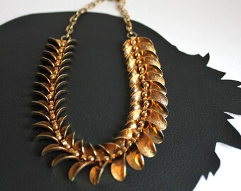 Gold Leaf Wreath Vintage Necklace