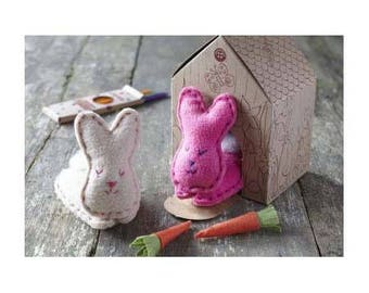 Easter bunnies / Sewing Kit / rabbits sewing home coloring / child's creative Kit / DIY sewing and coloring