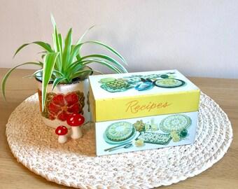 Vintage Recipe Tin with Original Recipe Cards!