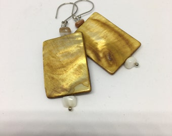 Caramel beaded earrings, square, marbled, elegant earrings