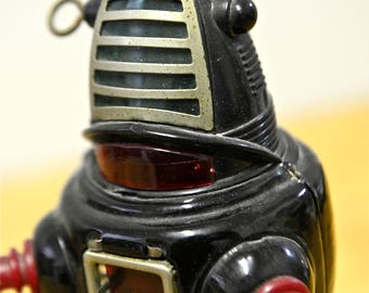 Rare vintage wind-up action ROBBY the ROBOT, tin toy, 1950/1960, Japan
