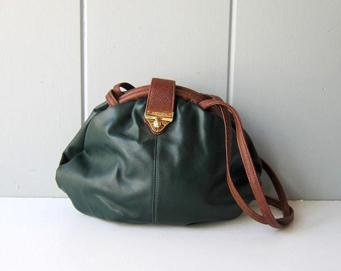 90s Green Capezio Purse Crossbody Clam Bag 1990s Revival Vintage Faux Leather Vegan Minimal Preppy Shoulder Shell Purse Womens