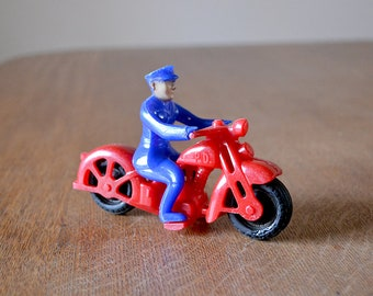 Hubley Motorcycle Police Officer | Harley-Davidson | 1950s | Kiddie Toy | Made in USA
